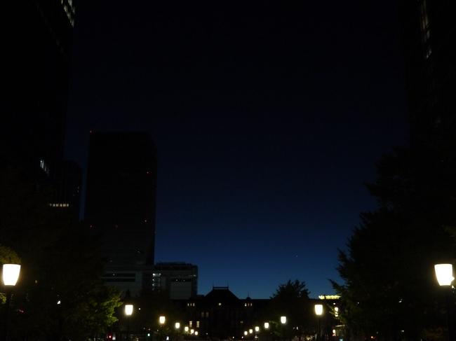 0536_薄明の東京駅.JPG