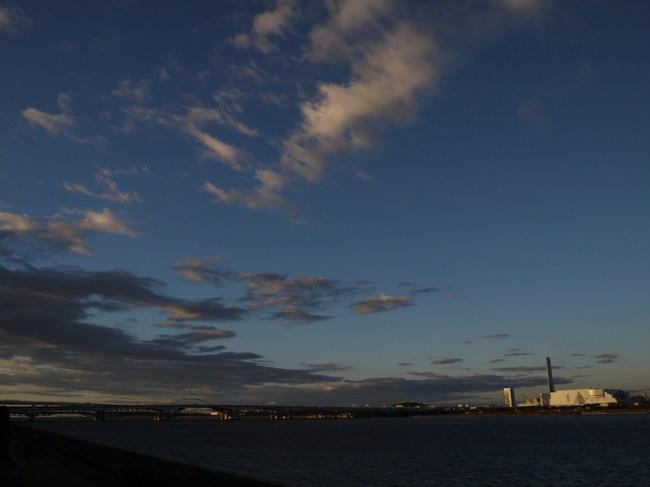 0647_中川の朝の雲.JPG