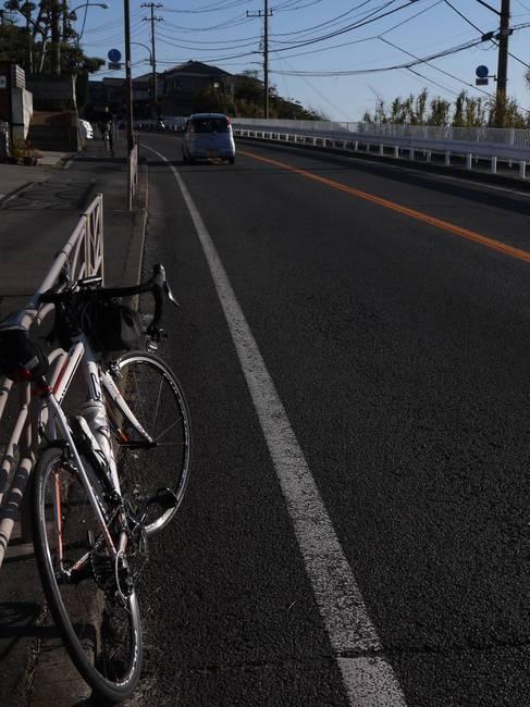 0900_さあ横浜まで40km.JPG